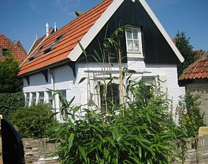 Guest house 010510 • Bungalow Texel • Lage Achterom 51 A