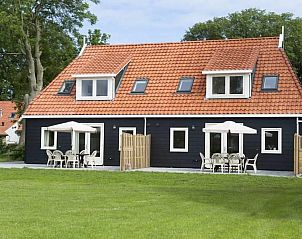 Guest house 040136 • Holiday property Ameland • Super de luxe 8 peroons vakantiewoning lastminute