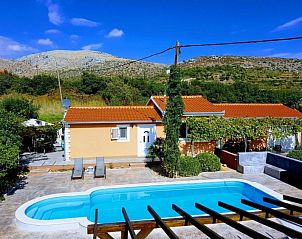 Guest house 10319907 • Holiday property Dalmatia • Villa Trogir